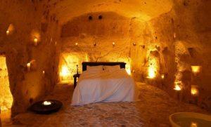 חדר שינה במערות איטליה