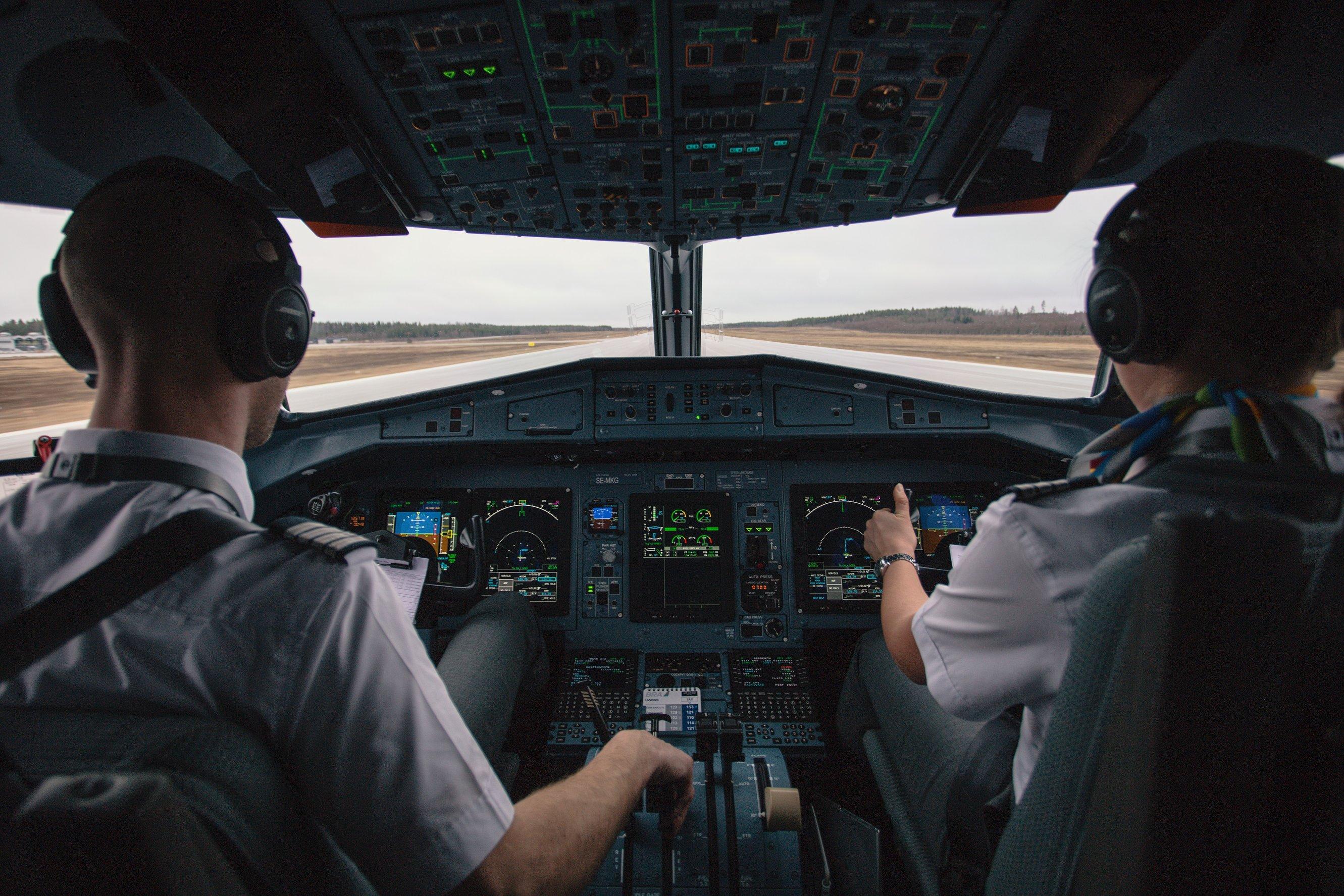 מה קורה בתא הטייס