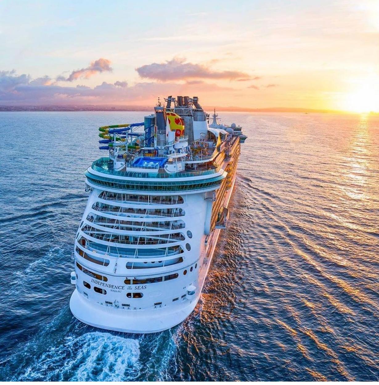 גלי הקורונה מתנפצים גם על דפנות אוניות הקרוזים