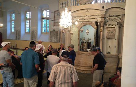 """""""ממעמקים קראתיך"""" בבית הכנסת העתיק ביאנינה ביוון"""